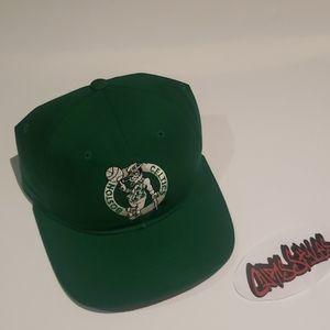 Vintage 90s Boston Celtics starter hat